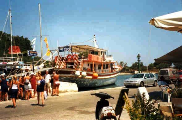 """Laiva """"Gaios"""" Gaioksen satamassa"""